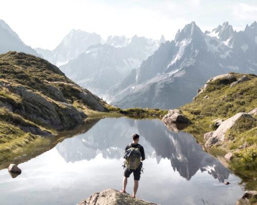 Randonnée en montagne aux Dômes de Miage avec Victor